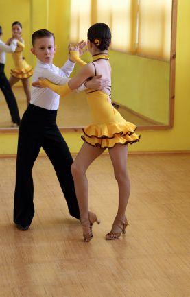 Istockcopiigalben X on Foxtrot Steps Ballroom Dance